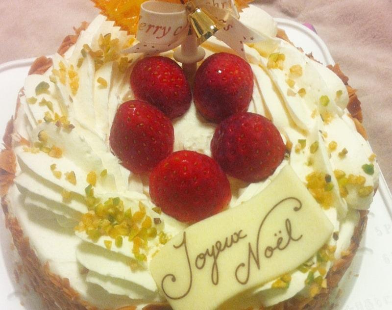 ファミマのクリスマスケーキ口コミと予約で損しない方法!当日販売や割引の時間は?