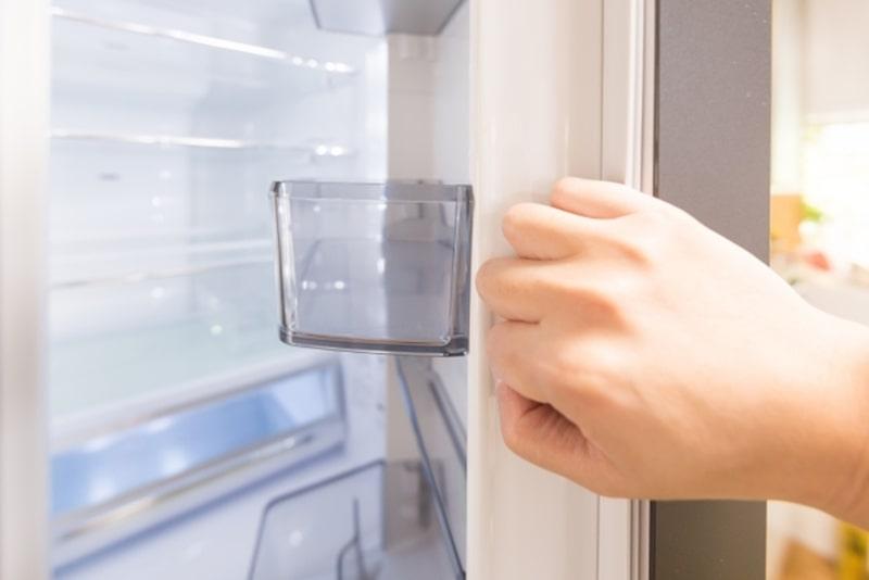 冷蔵庫使い始めに掃除は必要?使ってない時や買い替え時の対処法も解説!