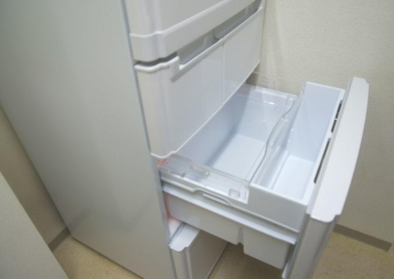 冷蔵庫の腐敗臭の掃除方法!電源入れたままで良い?ハエやウジ虫対策も紹介!