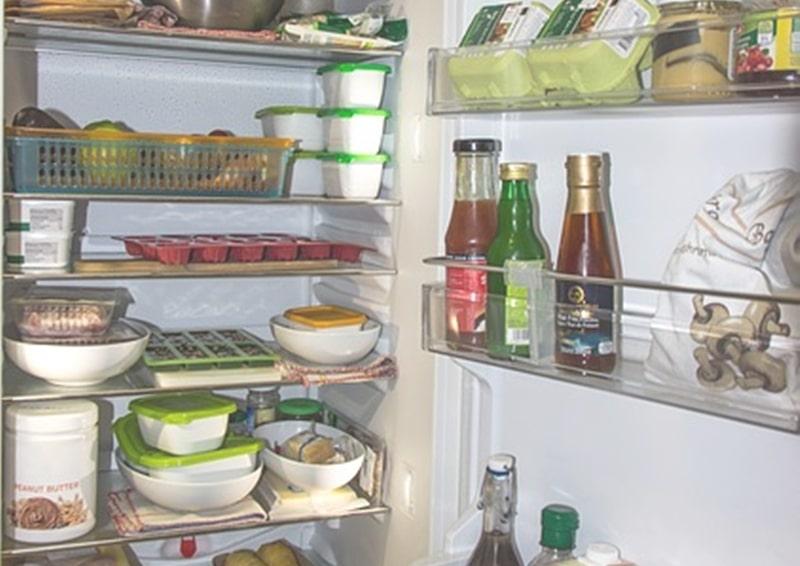 冷蔵庫の腐敗臭掃除の下準備について